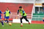 Tuyển Việt Nam tập trung: Công Vinh nhường suất tiền đạo cho thủ môn Nguyên Mạnh