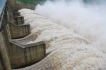 Phú Yên: Thủy điện xả lũ, nhiều nhà dân có nguy cơ ngập nặng
