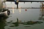 Mưa ngập lênh láng trong sân bay Tân Sơn Nhất