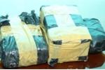 Bắt 6 đối tượng mang theo súng, vận chuyển 41.000 viên ma túy tổng hợp