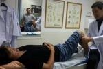 Tuấn Anh chữa chấn thương tại Thái Lan