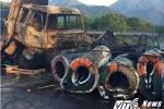 Hiện trường thảm khốc vụ hai xe ô tô bốc cháy ngùn ngụt ở Huế
