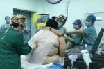 Đỡ đẻ cho sản phụ 139 kg, phải đỡ cho bác sỹ mổ khỏi ngã quỵ
