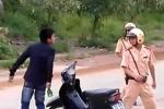 'Ma men' rút dao đe dọa, hành hung CSGT