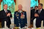 Nguyên soái Yazov và Tổng thống Putin. (Ảnh: Điện Kremlin)