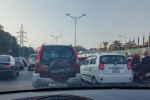 Nhiều tuyến đường ở Hà Nội ùn tắc ngày mùng 1 Tết Nguyên đán