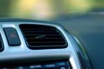 Sự thật việc bật điều hòa ô tô tiết kiệm xăng hơn mở cửa kính