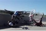 Tai nạn đường đua thảm khốc, vận động viên suýt rơi xuống vực
