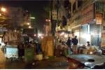 Kỳ lạ người Hà Nội: Ăn Tết cạnh bãi rác vẫn tấm tắc khen ngon