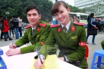Hoa khôi học viện cảnh sát rạng ngời ngày hội hiến máu