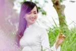 Á khôi khoe vẻ đẹp trong veo với áo dài trắng