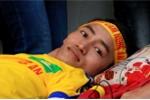 Rơi nước mắt hình ảnh CĐV tật nguyền vượt ngàn cây số cổ vũ SLNA