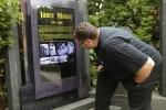 Kỳ lạ ngôi mộ phát ra âm thanh, hình ảnh khi có người đến gần