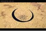 Bí ẩn hòn đảo tự xoay, tròn vành vạnh nghi của người ngoài hành tinh