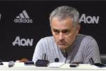 Mourinho mắng phóng viên: 'Tôi cười với HLV West Brom thì làm sao?'