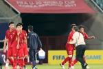 Vì sao HLV Hoàng Anh Tuấn quát tháo khi cầu thủ U20 Việt Nam gục xuống sân?