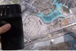 Điều gì xảy ra khi ném iPhone 7+ từ nóc tòa nhà cao nhất thế giới xuống đất?