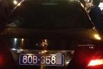 Dân truy đuổi xe biển xanh gây tai nạn rồi bỏ chạy trên phố Hà Nội