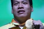Lê Văn Công nghẹn ngào khi nhận huy chương vàng Paralympic 2016