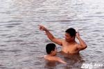 Người Hà Nội mê mẩn thú 'tắm tiên' giúp bệnh tật tan biến