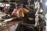 Cảnh tan hoang của chiếc xe khách phát nổ trong đêm ở Bắc Ninh