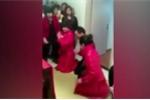 Video: Xôn xao đám cưới một chú rể, hai cô dâu