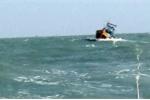 Tàu kéo chết máy, 3 thuyền viên lênh đênh trên biển suốt 3 ngày
