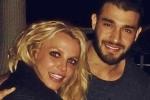 Britney Spears lần đầu tiết lộ về bạn trai kém 13 tuổi