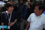 Video: Ông Đoàn Ngọc Hải tháo niêm phong, không cẩu xe ngoại giao chiếm vỉa hè