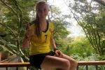 Đầu quân cho CLB đối địch, nữ cầu thủ xinh đẹp bị dọa giết