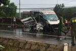 2 xe khách húc nhau trên đường Hồ Chí Minh, 14 người thương vong