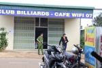 Truy tìm 2 kẻ giết người dã man tại quán bida