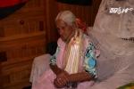 Nỗi khổ của cụ bà quá già để nhận hỗ trợ phúc lợi