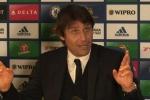 Chelsea có thể bị trừ điểm, Conte nổi đóa