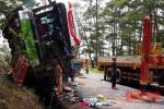 Hình ảnh tang thương vụ tai nạn thảm khốc trên đèo Prenn làm 7 người chết