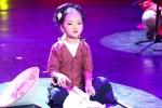 Tài năng xẩm nhí Mai Anh biểu diễn trong 'Ngãi mẹ sinh thành' mùa Vu Lan