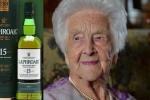 Cụ già 110 tuổi người Anh tiết lộ bí quyết sống lâu nhờ... rượu