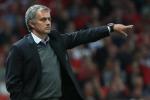Vì sao cổ động viên Chelsea chế giễu Mourinho?