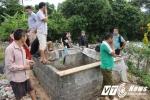 Đổ hàng chục tấn rác xuống suối ở Hà Giang: Xã xây 'lò' đốt rác thủ công rộng... 2m2