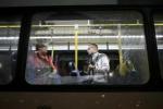Xả súng kinh hoàng vào xe buýt chở phóng viên báo chí tại Olympic Rio