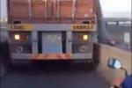 Xe container cướp làn đường của xe máy trên cầu Phú Mỹ