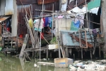 Ảnh: Khu nhà ổ chuột chờ sập trên kênh ô nhiễm Bí thư Thăng chỉ đạo di dời