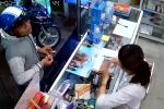 Vờ mua hàng, nam thanh niên cầm xấp thẻ cào 400.000 đồng bỏ chạy