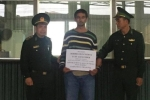 Bắt người nước ngoài 'cuỗm' 1,7 tỷ đồng của người dân tại Hà Nội