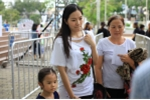 Vo cu Lam Vinh Hai dua con gai di su kien giua on ao ly hon hinh anh 2