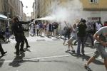 Vòng bảng Euro 2016: Hooligan truy sát, đánh nhau chảy máu đầu