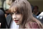 Cô gái xinh đẹp bất ngờ nổi tiếng sau bức ảnh chụp lén