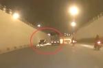 Video: Lái xe mô tô thoát chết thần kỳ dưới hầm đại lộ Thăng Long