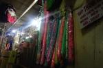 Đối phó dịch Zika, dân Sài Gòn nô nức mua màn chống muỗi