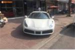 Siêu xe Ferrari 488 GTB 16 tỷ bày bán trên vỉa hè Hà Nội